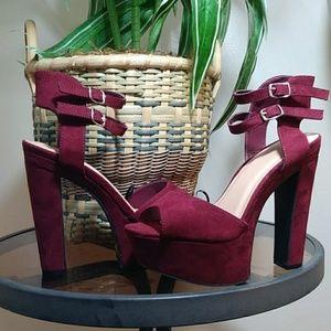 NWT Windsor Platform Double Ankle Strap Heels
